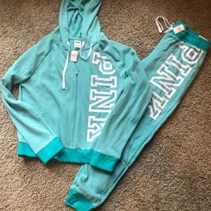 VS Pink hoodie & joggers S/M Nwt's
